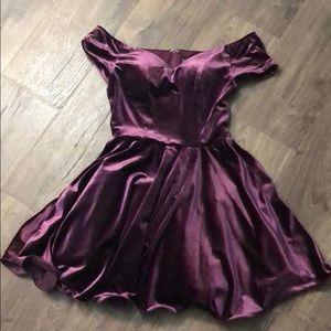 Windsor store off the shoulder Plum velvet dress